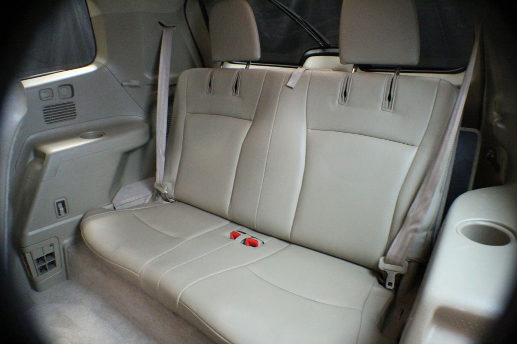 2010 TOYOTA HIGHLANDER SE for sale at Solid Rock Auto Group