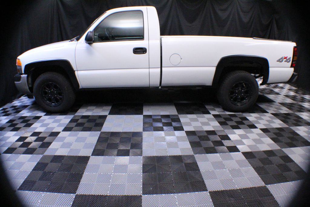 2006 GMC NEW SIERRA 1500 for sale at Solid Rock Auto Group