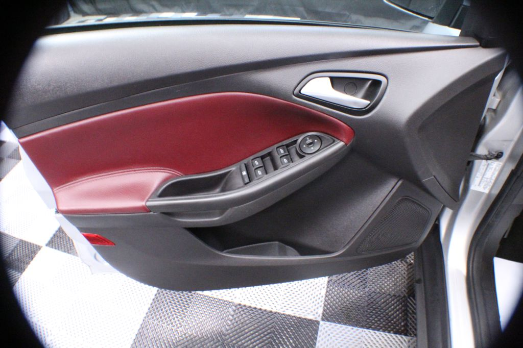 2012 FORD FOCUS SE for sale at Solid Rock Auto Group