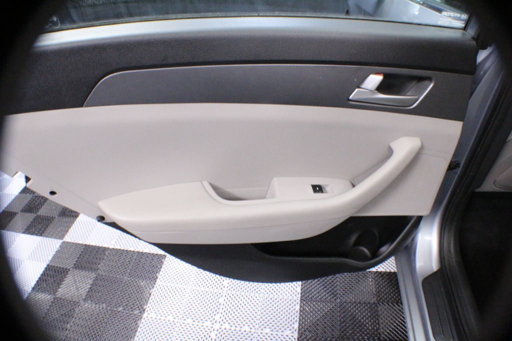 2016 HYUNDAI SONATA SE for sale at Solid Rock Auto Group