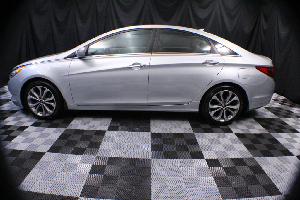 2013 HYUNDAI SONATA SE for sale at Solid Rock Auto Group
