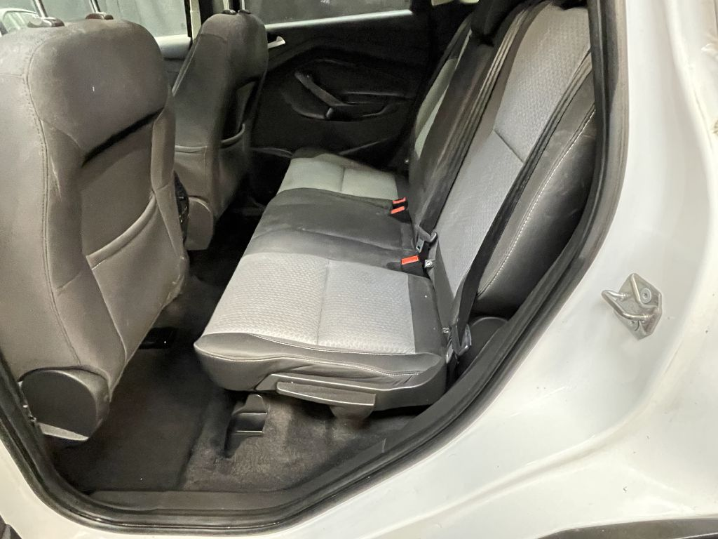 2017 FORD ESCAPE SE for sale at Solid Rock Auto Group