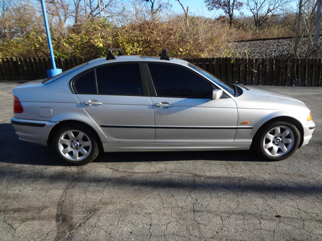 2001 BMW 325 WBAAV33451FU96267 GROW AUTOMOTIVE