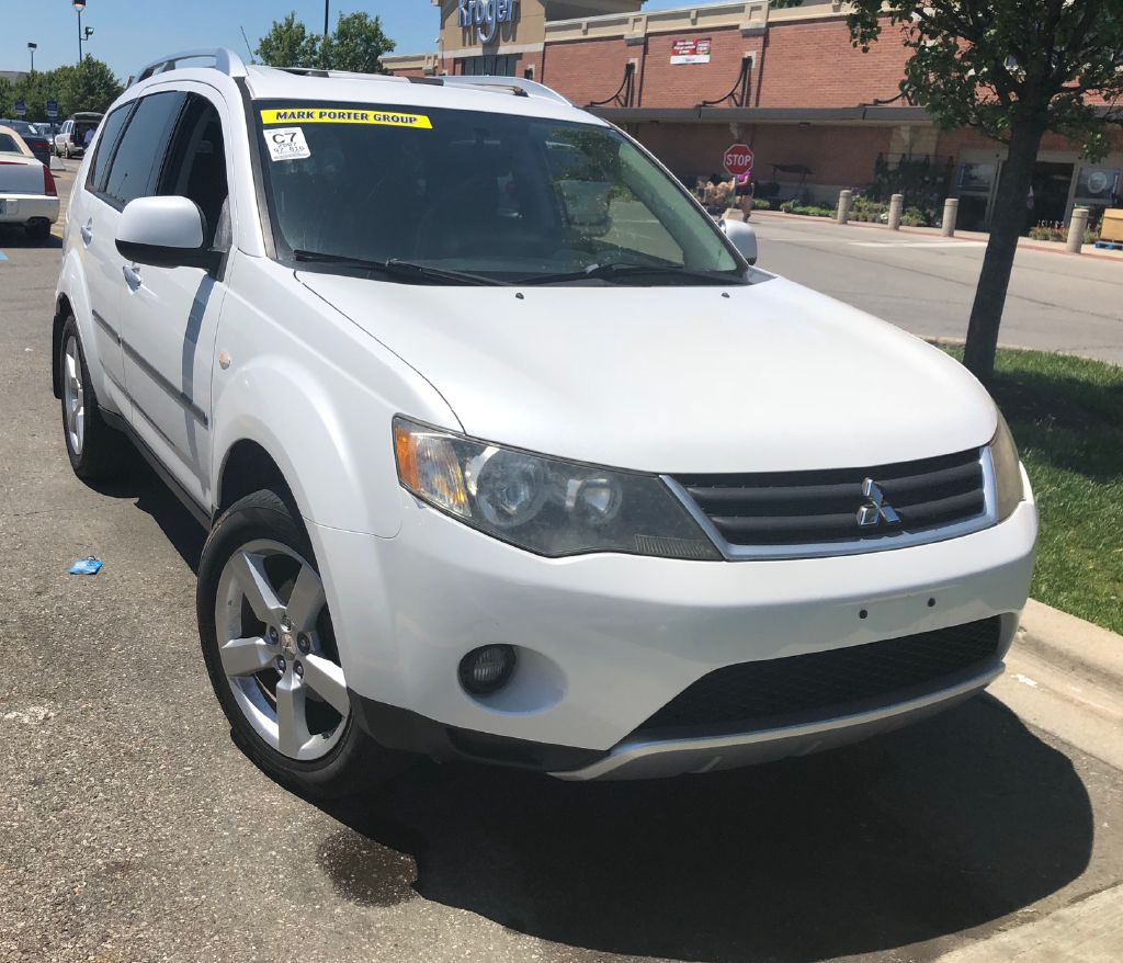 2007 MITSUBISHI OUTLANDER XLS for sale at Colonial City Auto Sales