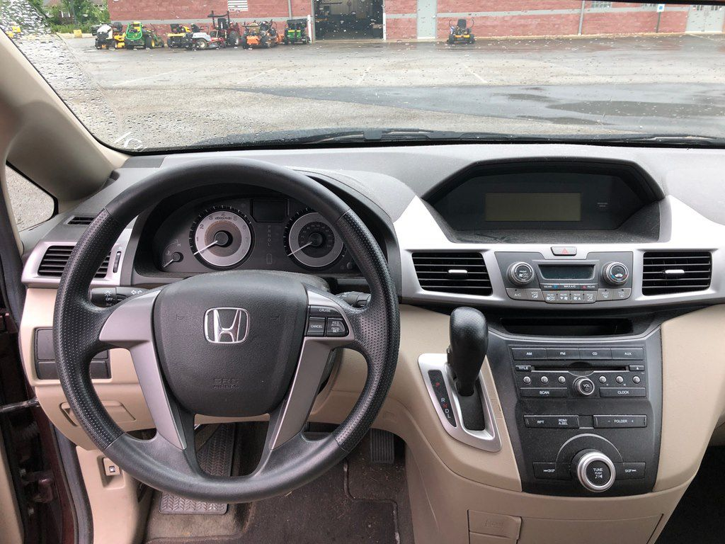2011 HONDA ODYSSEY LX for sale at Colonial City Auto Sales