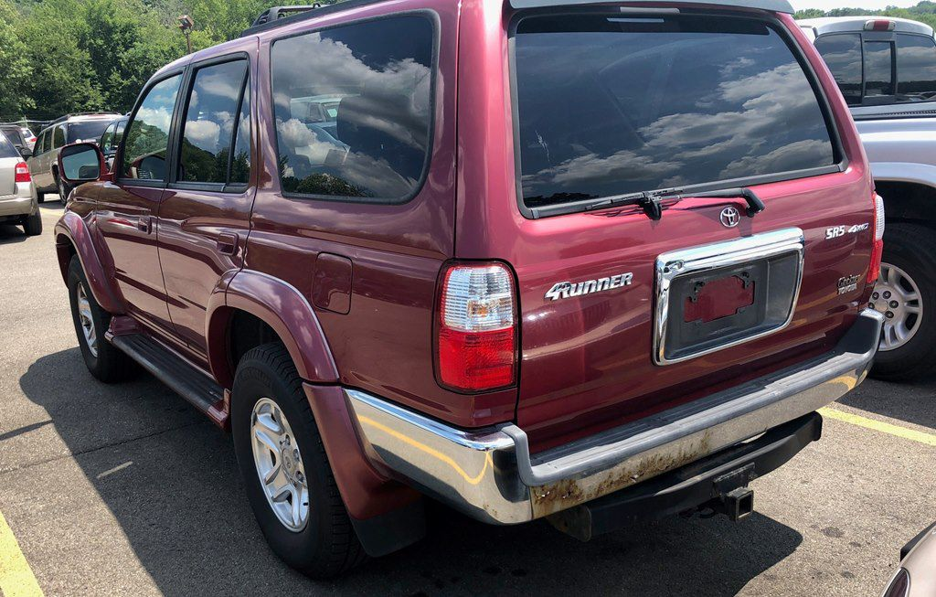 2002 TOYOTA 4RUNNER SR5 for sale at Colonial City Auto Sales
