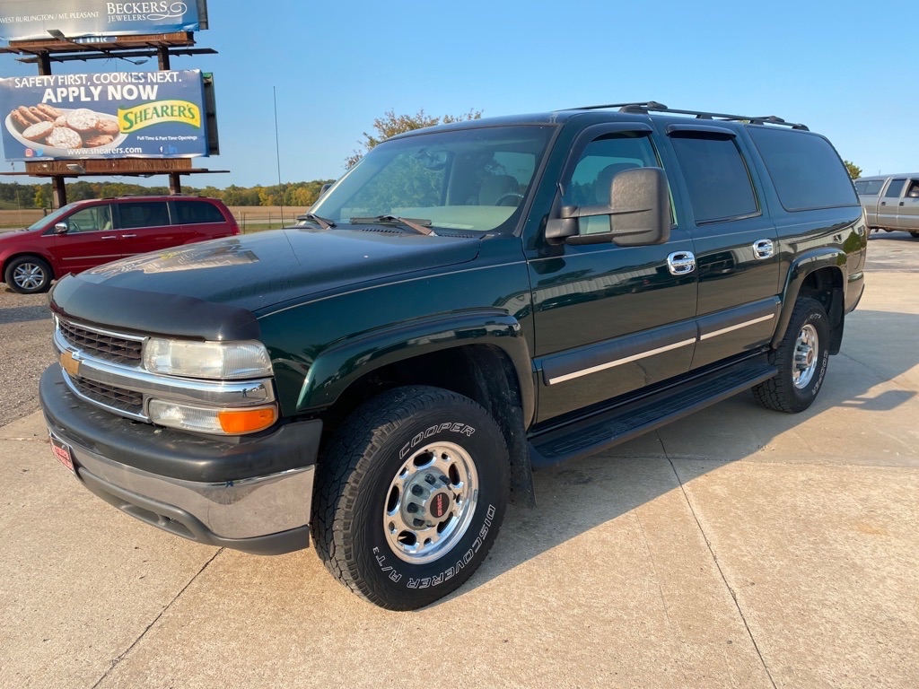 2003 CHEVROLET SUBURBAN  Footers Auto Sales Wever IA