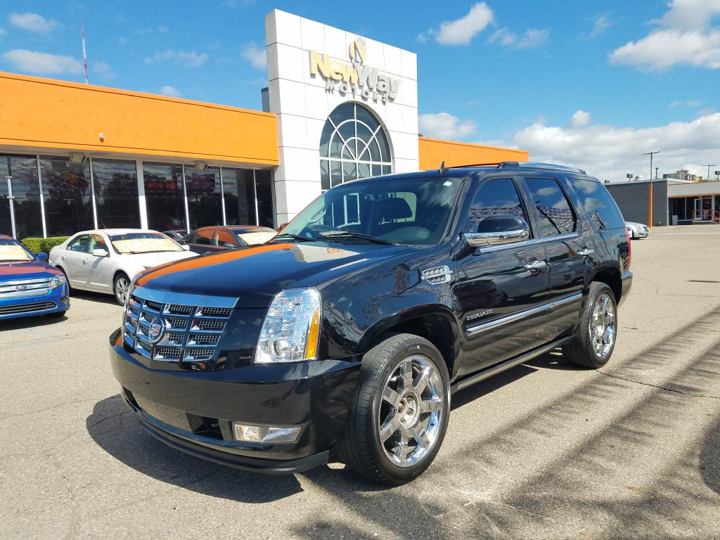 2010 CADILLAC ESCALADE PREMIUM Air Conditioning Power Windows Power Locks Power Steering Tilt