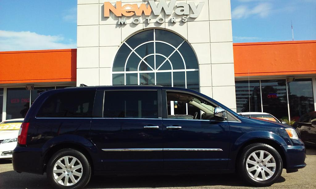 2012 CHRYSLER TOWN  COUNTRY TOURING L Air Conditioning Power Windows Power Locks Power Steerin
