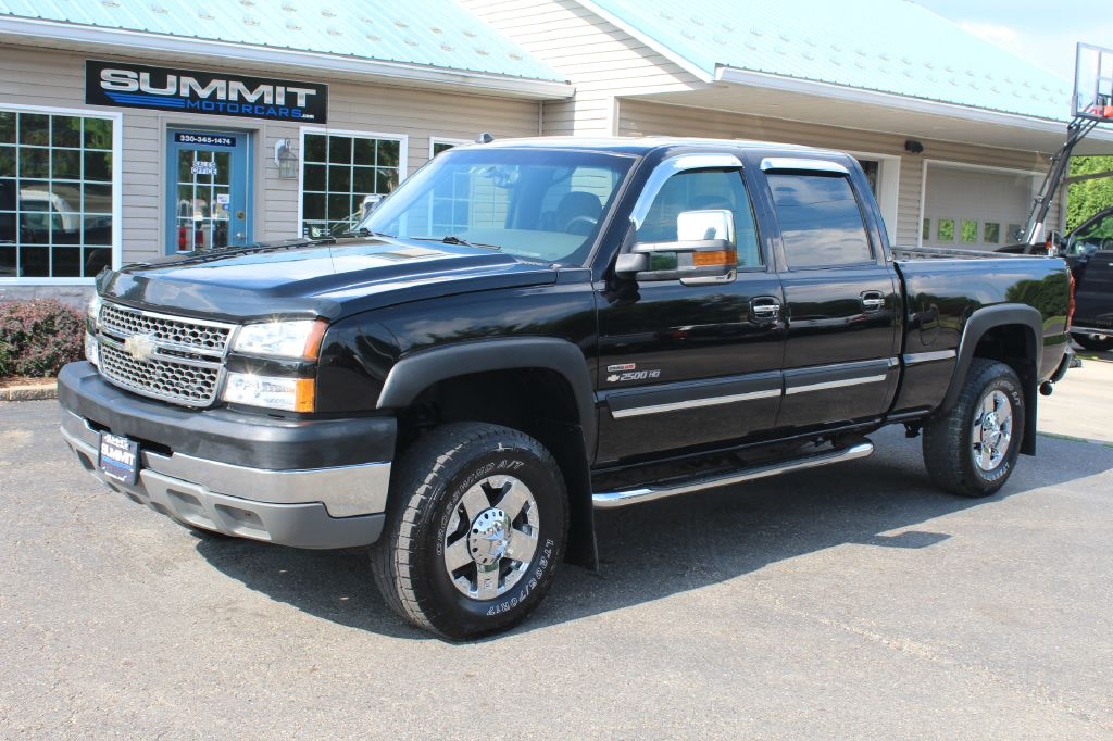 2015 CHEVROLET SILVERADO 3500  LT 4x4 DURAMAX for sale at Summit Motorcars