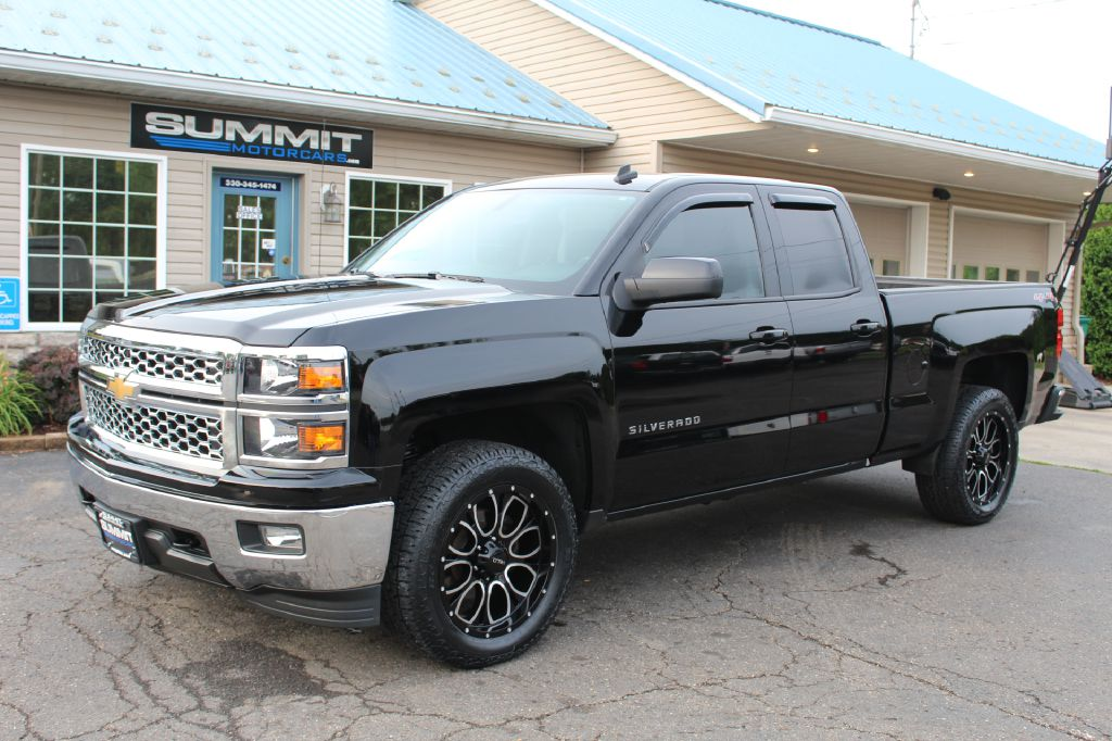 2011 CHEVROLET SILVERADO 2500 LT 4x4 for sale at Summit Motorcars