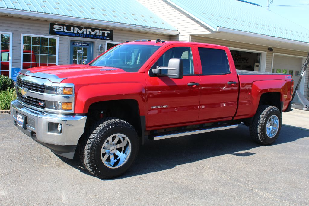 2014 CHEVROLET SILVERADO 1500  LT 4WD for sale at Summit Motorcars