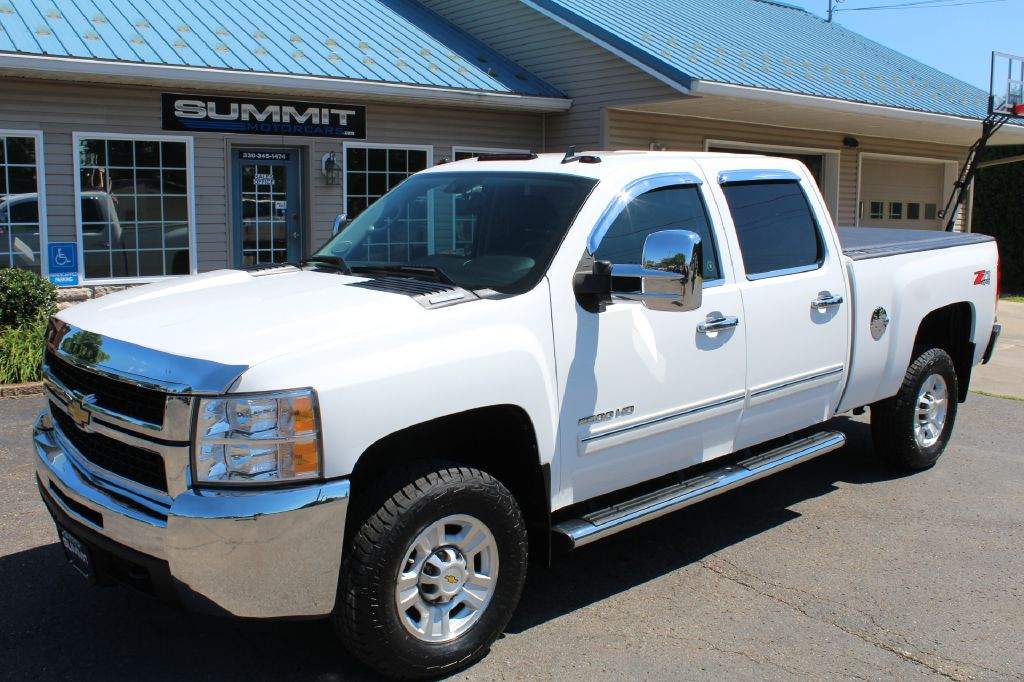 2005 CHEVROLET SILVERADO 2500 LS DURAMAX for sale at Summit Motorcars