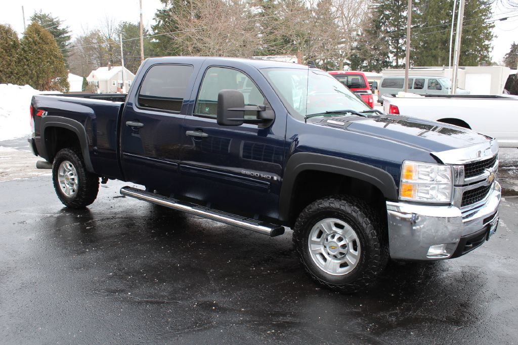 2009 CHEVROLET SILVERADO 2500 LT 4x4 DURAMAX for sale at Summit Motorcars