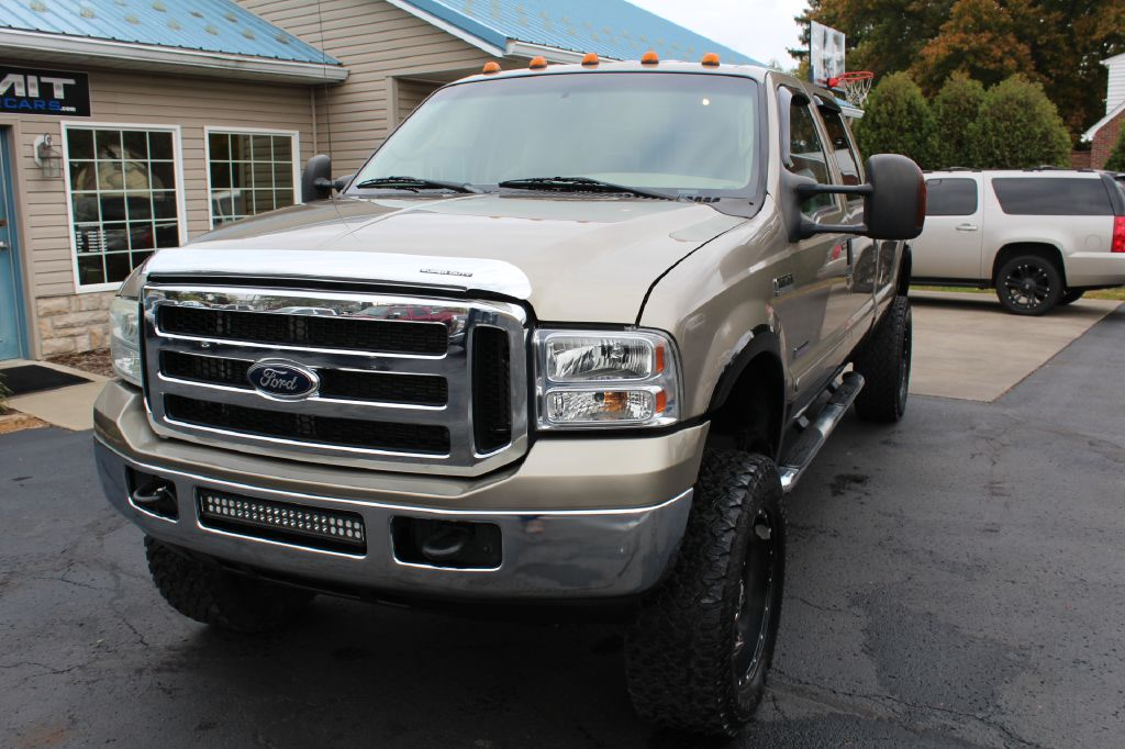 2006 FORD F350 LARIAT LB SRW SUPER DUTY for sale at Summit Motorcars