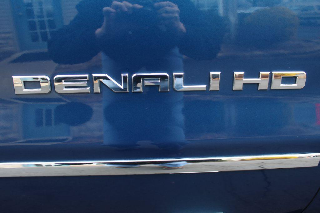 2015 GMC SIERRA 2500 DENALI 4x4 DURAMAX for sale at Summit Motorcars