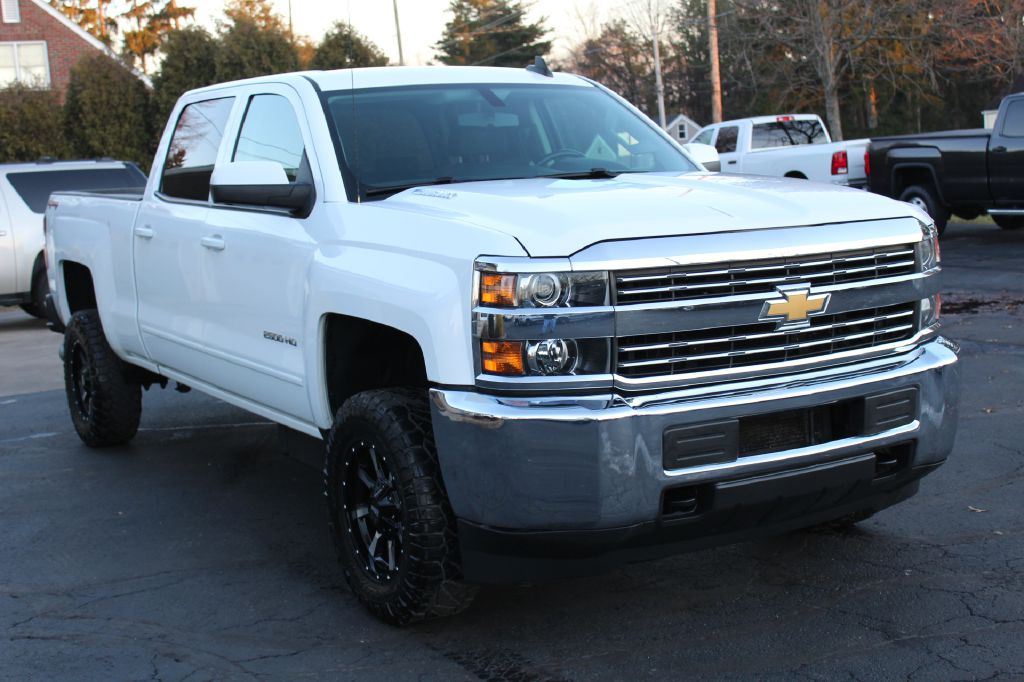 2015 CHEVROLET SILVERADO 2500 LT 4x4 DURAMAX for sale at Summit Motorcars