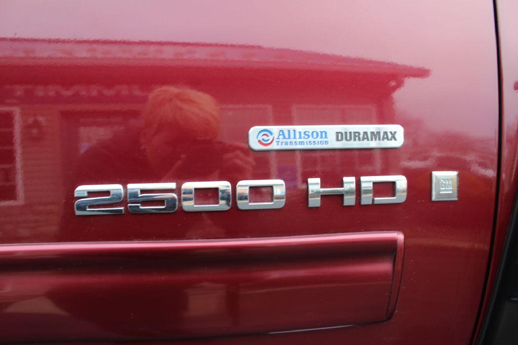 2009 GMC SIERRA 2500 SLE SLE 4WD DURAMAX for sale at Summit Motorcars