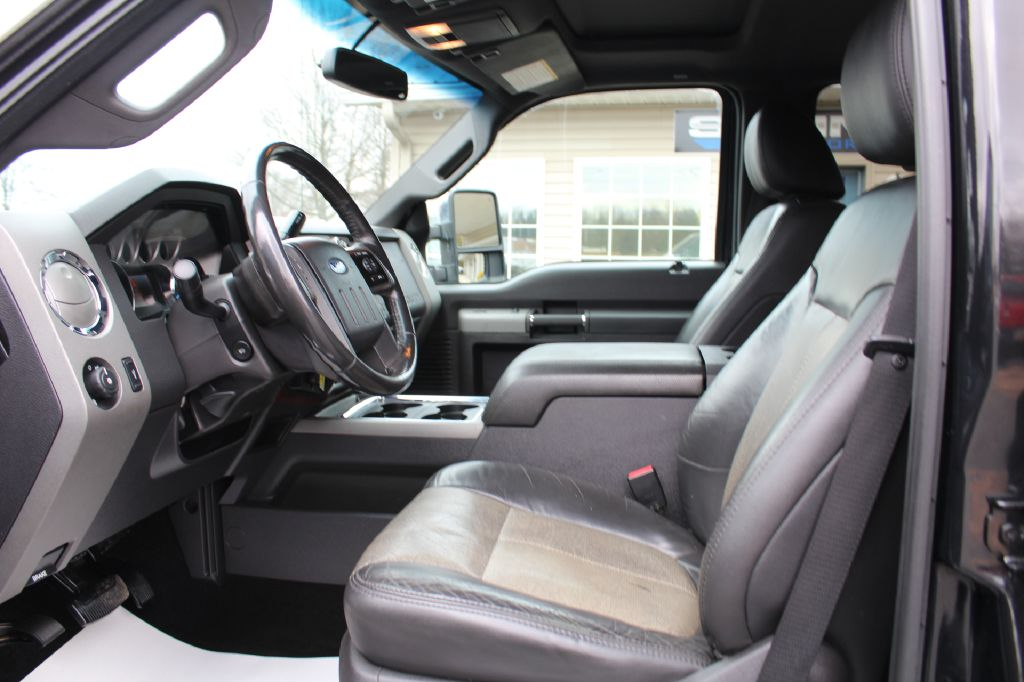 2011 FORD F250 LARIAT 4WD LARIAT 6.2L for sale at Summit Motorcars