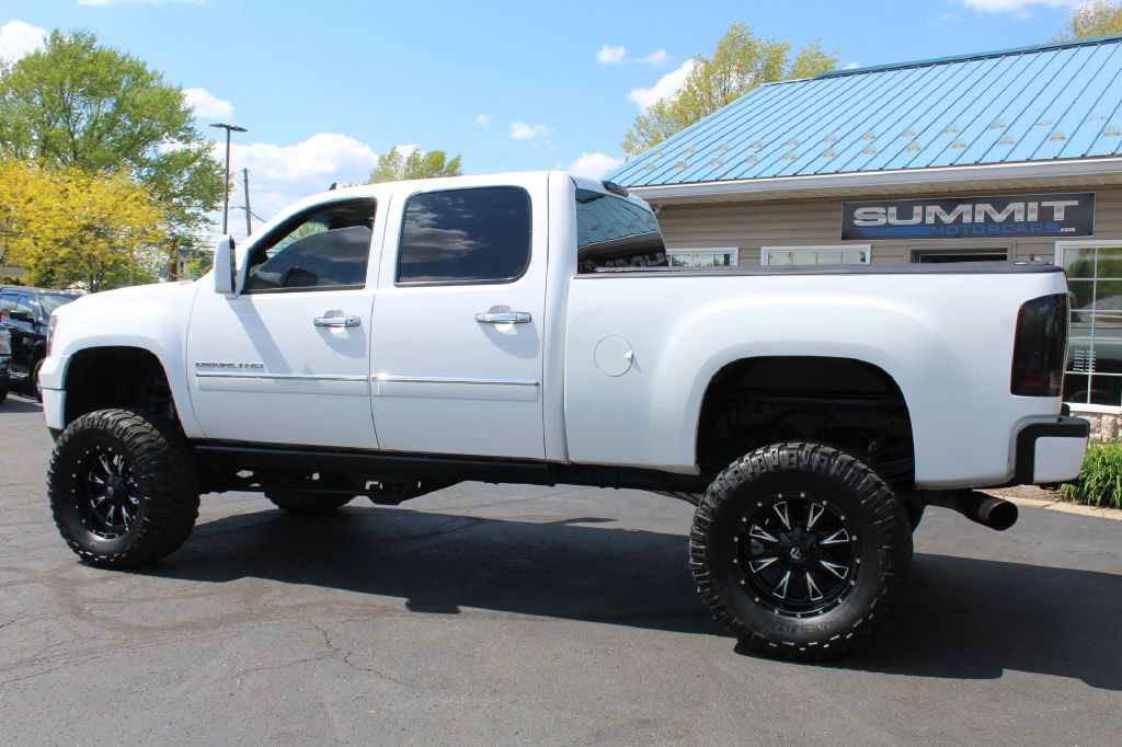 2008 GMC SIERRA 2500 SLT SLT 4WD DURAMAX for sale at Summit Motorcars