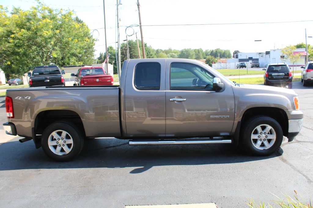2013 GMC SIERRA 1500 SLE 4x4 for sale at Summit Motorcars