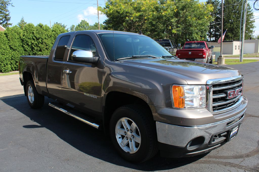 2015 GMC 2500 SLT LB 4x4 SLT DURAMAX for sale at Summit Motorcars