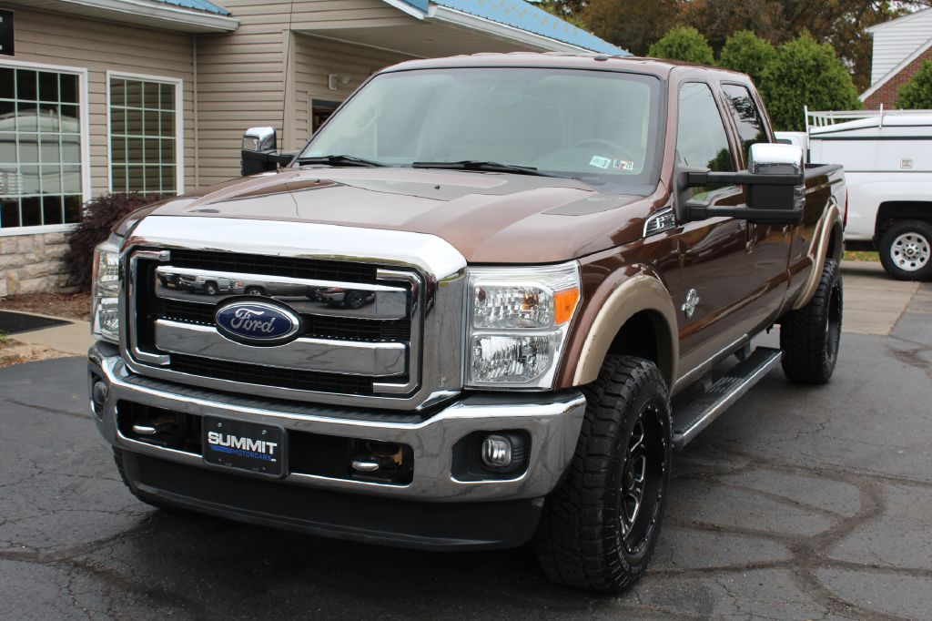 2011 FORD F350 LARIAT LB 4x4 LARIAT CREW CAB LB for sale at Summit Motorcars