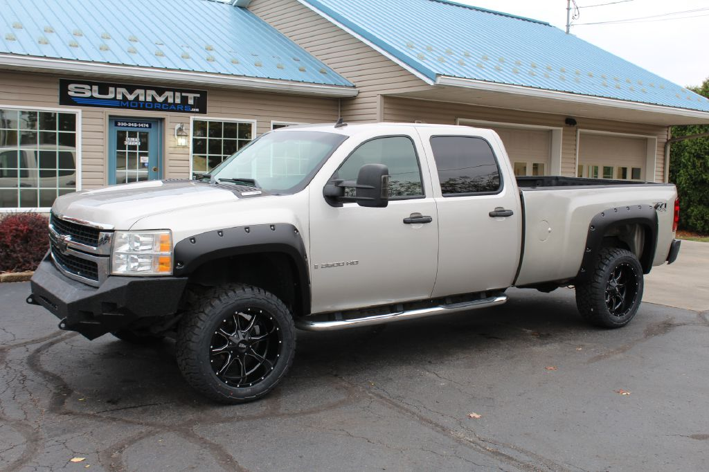 2011 CHEVROLET SILVERADO 2500 4x4 LT DURAMAX for sale at Summit Motorcars