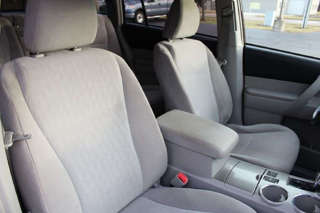 2012 TOYOTA HIGHLANDER BASE for sale at Summit Motorcars
