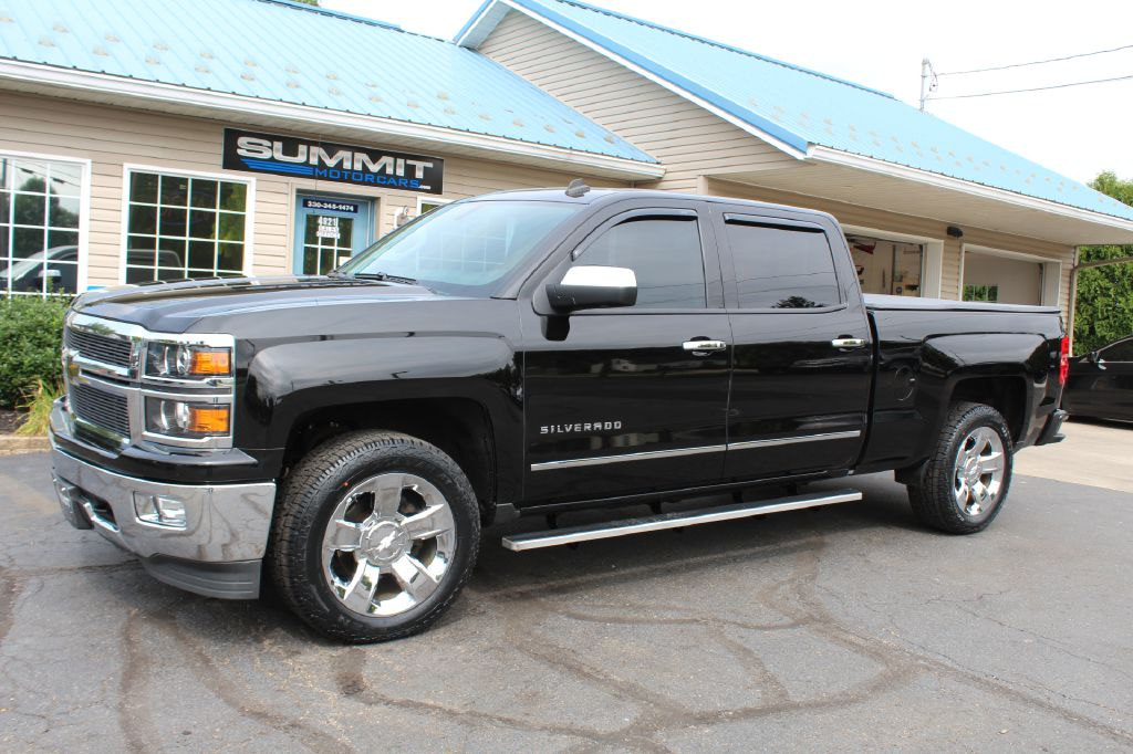 2017 CHEVROLET 2500 LTZ Z71 4x4 LTZ w/Z71 DURAMAX for sale at Summit Motorcars