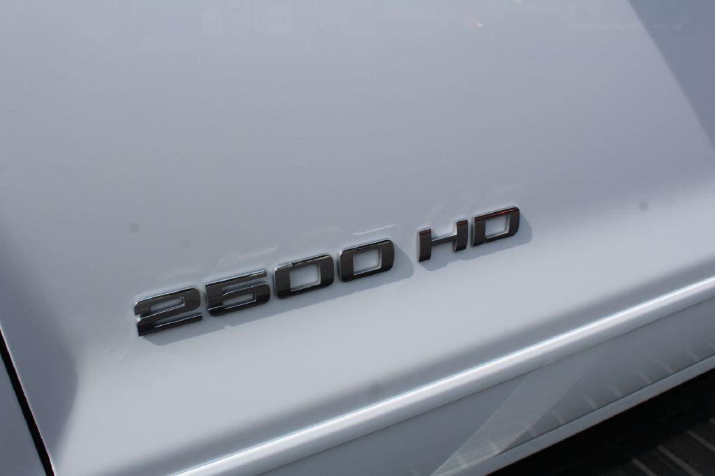2018 CHEVROLET 2500 LT Z71 4x4 LT DURAMAX for sale at Summit Motorcars