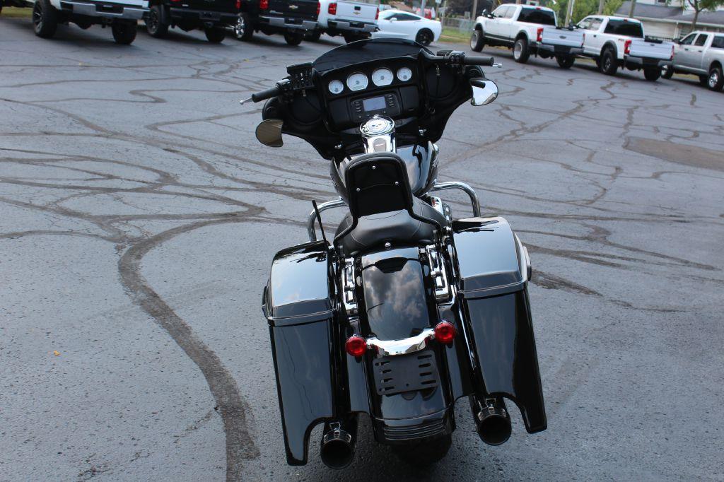 2016 HARLEY DAVIDSON STREET GLIDE FLHX STREET GLIDE for sale at Summit Motorcars