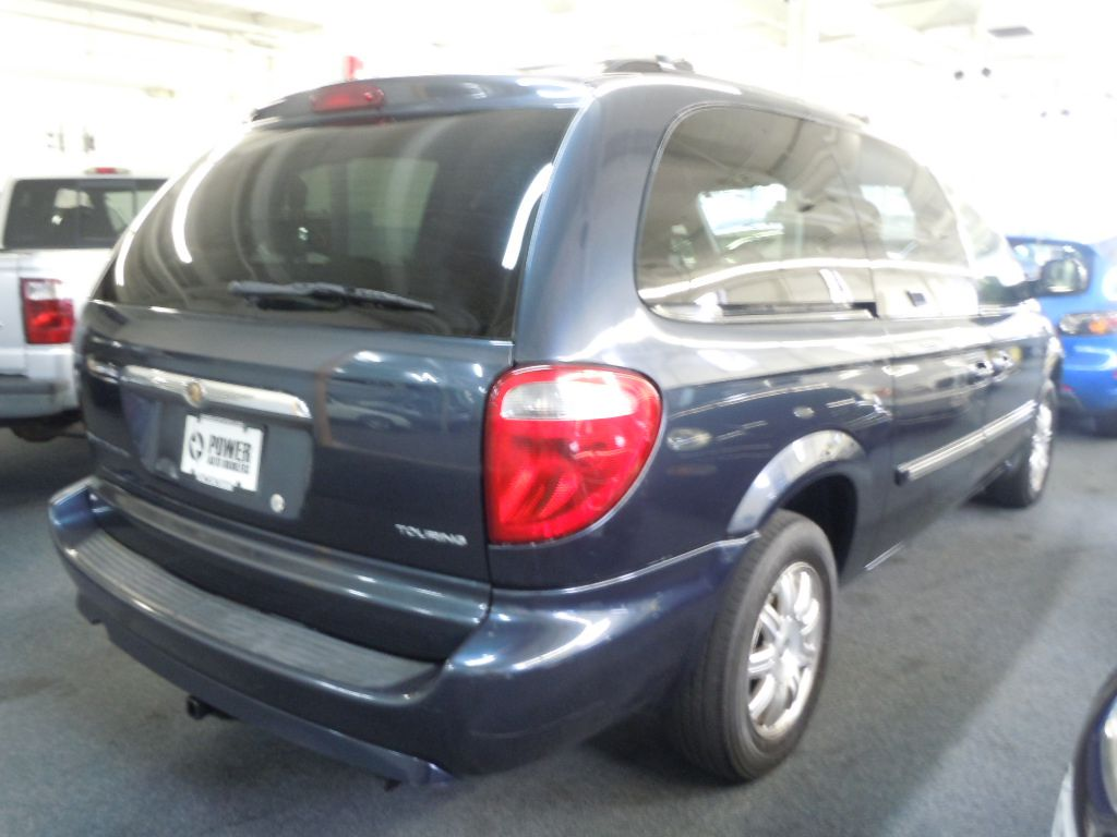 2007 chrysler town country touring for sale in cleveland. Black Bedroom Furniture Sets. Home Design Ideas
