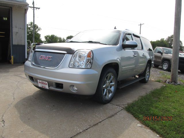 2013 GMC YUKON XL  Clints Automotive Inc Ft. Madison IA