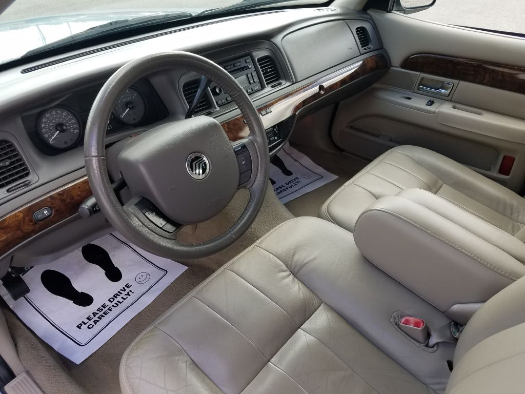 2009 Mercury Grand Marquis Ls For Sale In Akron Zombie Johns Lincoln Town Car Test Drive Make An Offer Request More Information Apply Financing Vehicle Details
