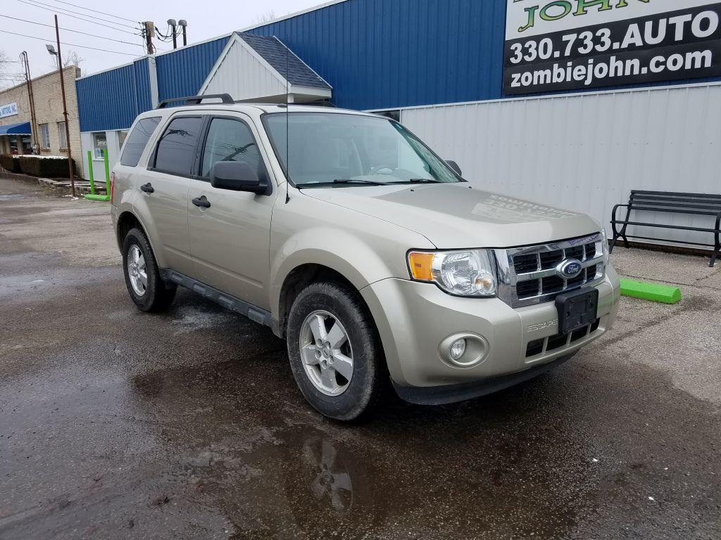 2010 FORD ESCAPE XLT for sale at