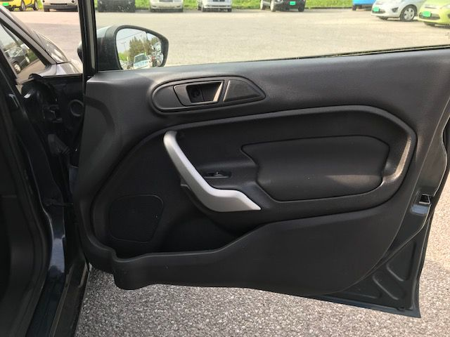 2011 FORD FIESTA SES for sale at Zombie Johns