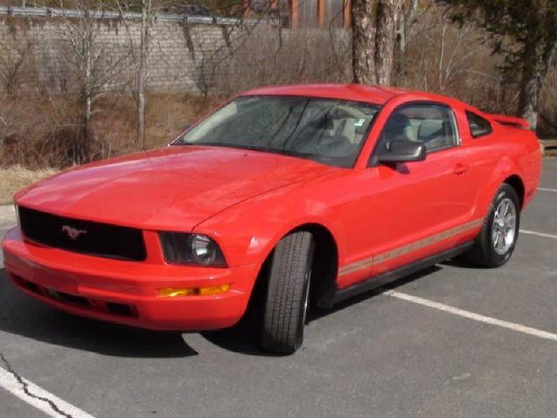 2006 FORD MUSTANG Air Conditioning Power Windows Power Locks Power Steering Tilt Wheel AMFM C