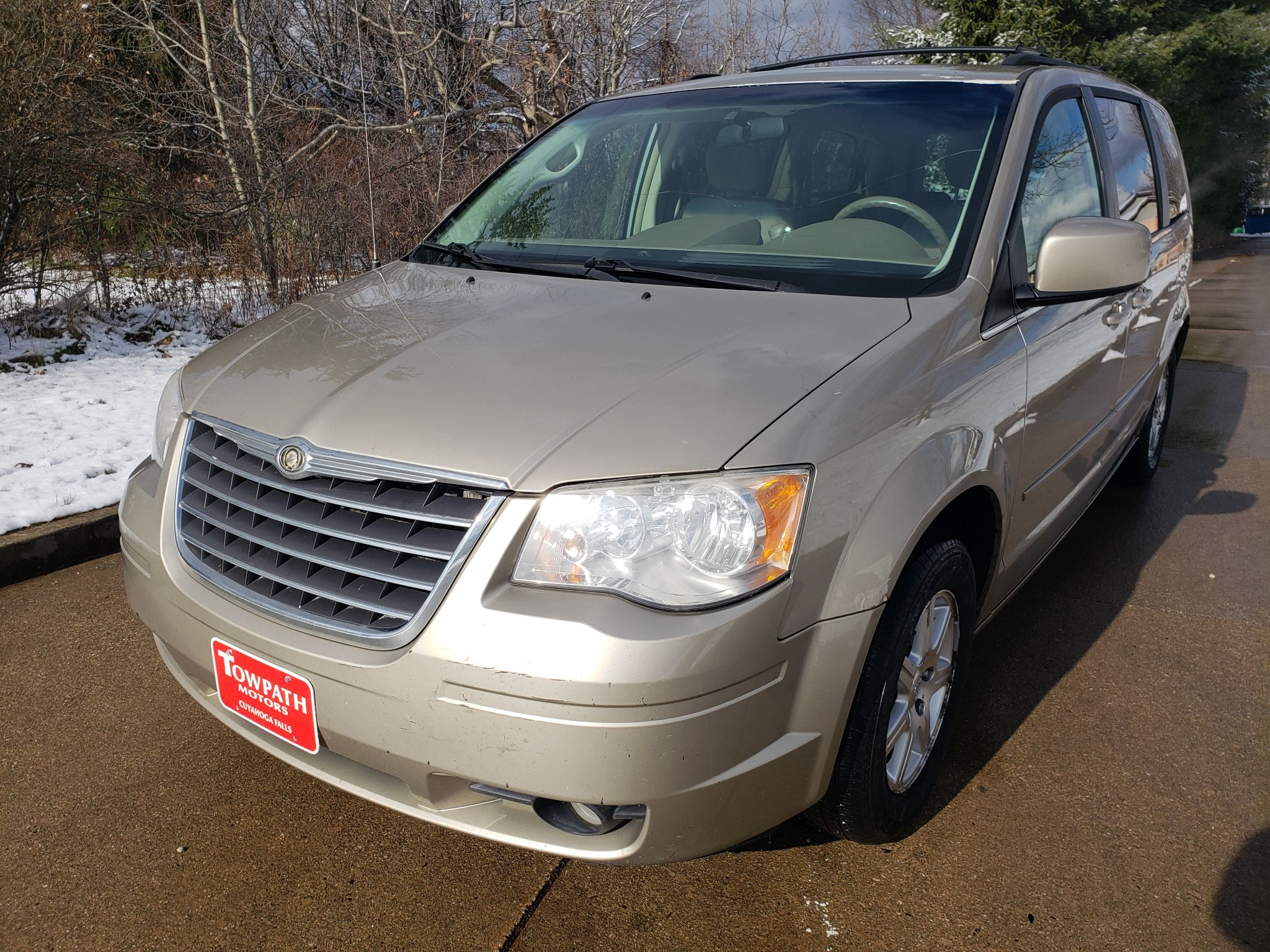 2008 Chrysler Town & Country for sale at Towpath Motors | Used Car Dealer in Peninsula Ohio