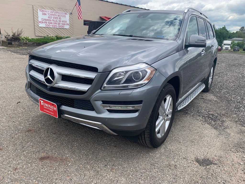 2015 Mercedes-benz Gl for sale at Towpath Motors | Used Car Dealer in Peninsula Ohio