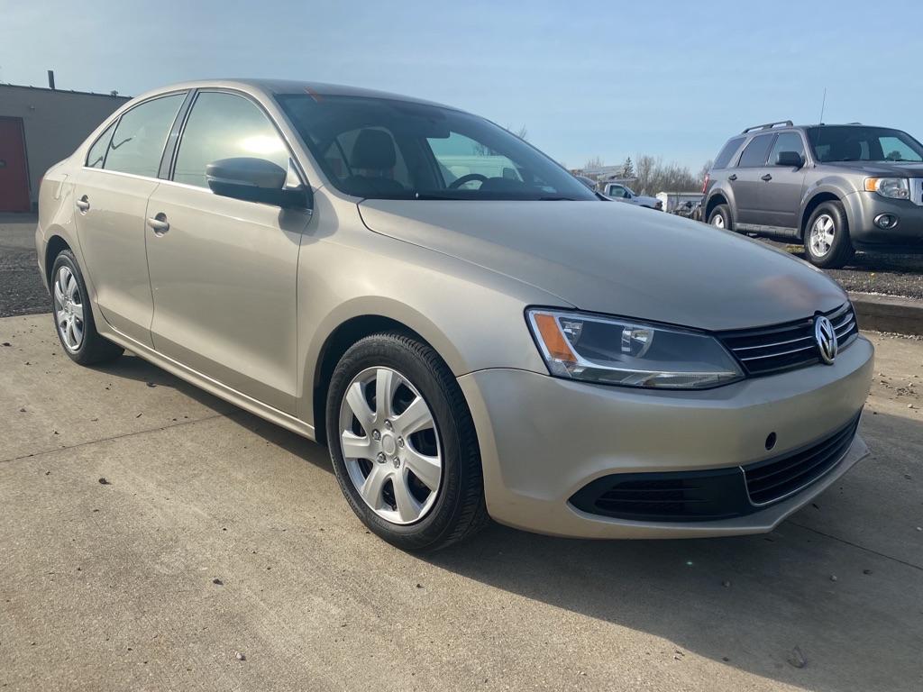 2013 Volkswagen Jetta for sale at Towpath Motors | Used Car Dealer in Peninsula Ohio