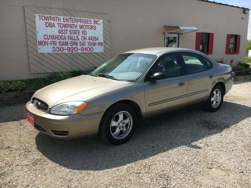 2005 Ford Taurus for sale at Towpath Motors | Used Car Dealer in Peninsula Ohio