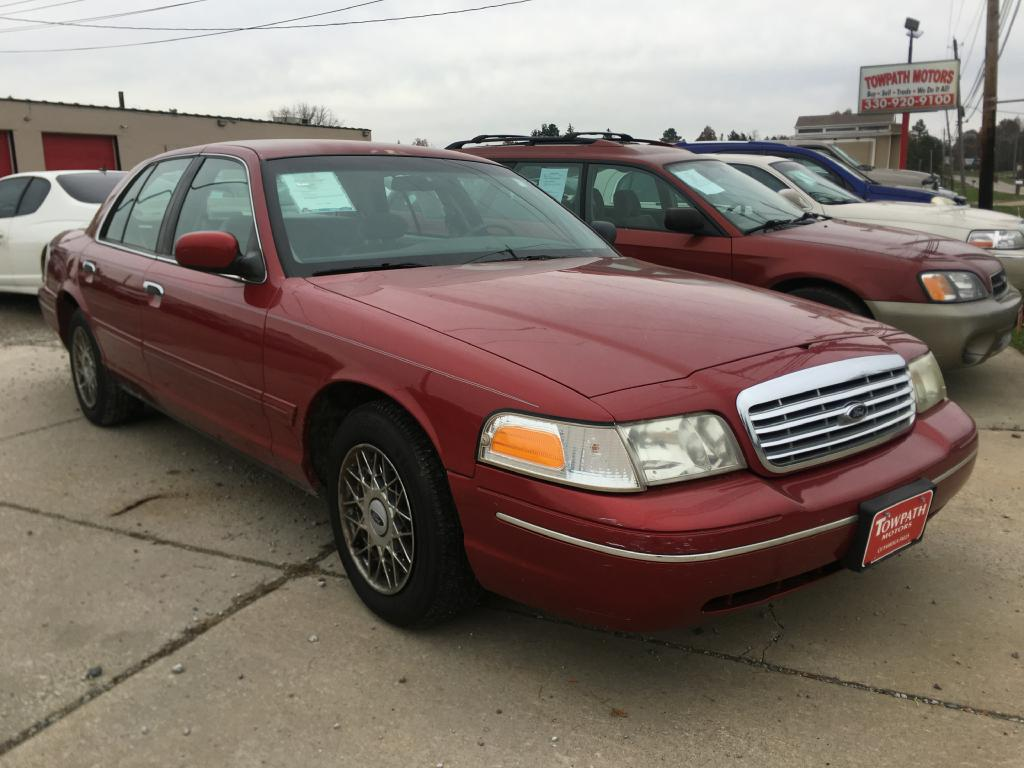 2000 Ford Crown Victoria for sale at Towpath Motors | Used Car Dealer in Peninsula Ohio