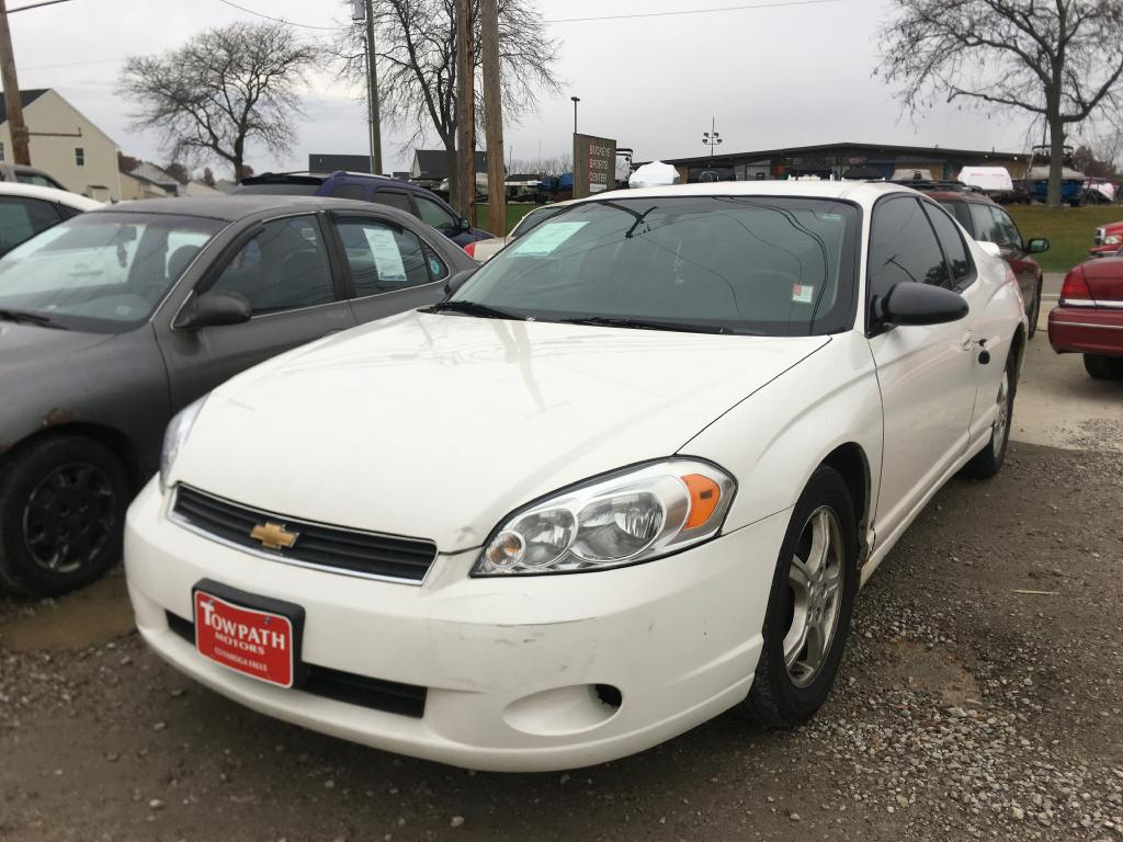 2006 Chevrolet Monte Carlo for sale at Towpath Motors | Used Car Dealer in Peninsula Ohio