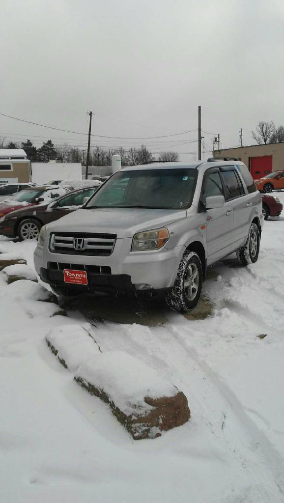 2006 Honda Pilot for sale at Towpath Motors | Used Car Dealer in Peninsula Ohio