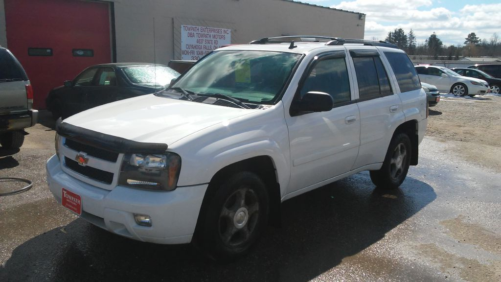 2006 Chevrolet Trailblazer for sale at Towpath Motors | Used Car Dealer in Peninsula Ohio
