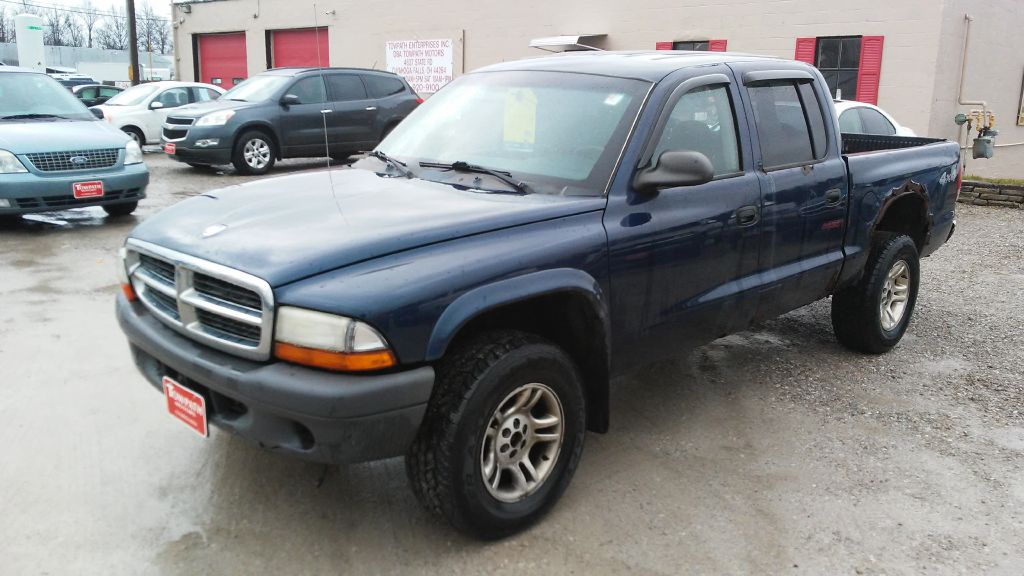 2004 Dodge Dakota for sale at Towpath Motors | Used Car Dealer in Peninsula Ohio