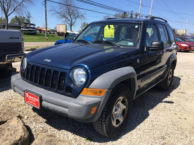 2005 Jeep Liberty for sale at Towpath Motors | Used Car Dealer in Peninsula Ohio