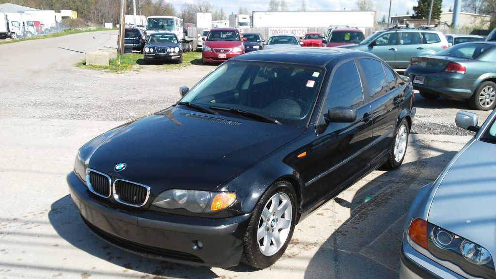 2003 Bmw 325 for sale at Towpath Motors | Used Car Dealer in Peninsula Ohio
