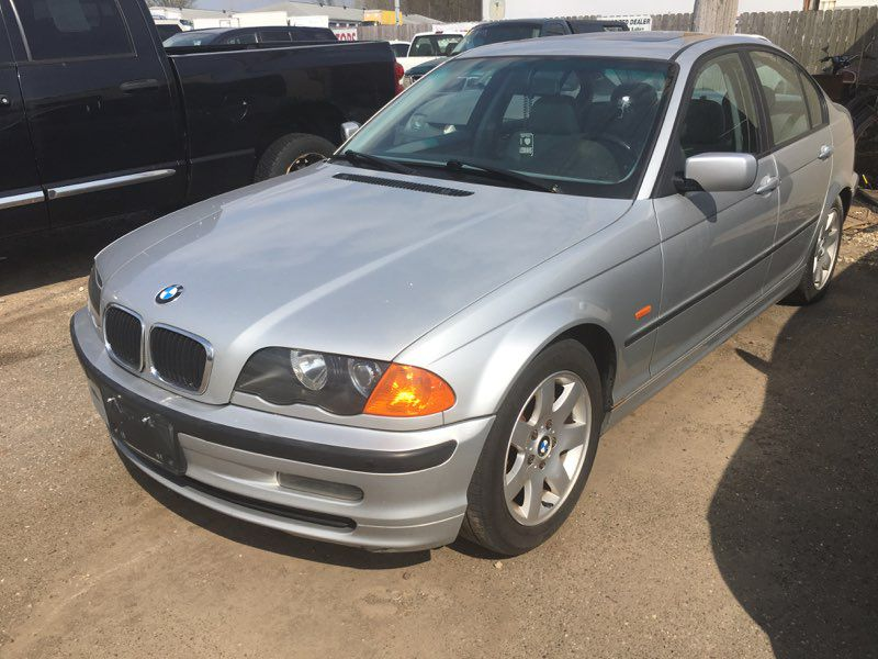 2000 Bmw 323 for sale at Towpath Motors | Used Car Dealer in Peninsula Ohio